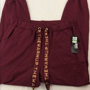 The Warm up jessica simpson burgundy sweats Size-L